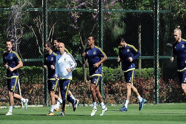Fenerbahçe, Mersin İdmanyurdu maçı hazırlıklarına başladı