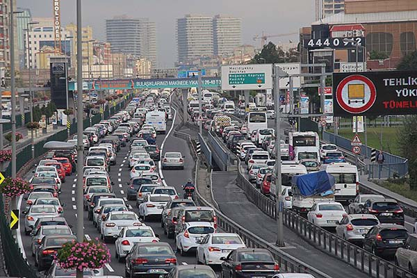 Trafiğe kayıtlı araç sayısı 18,5 milyonu aştı