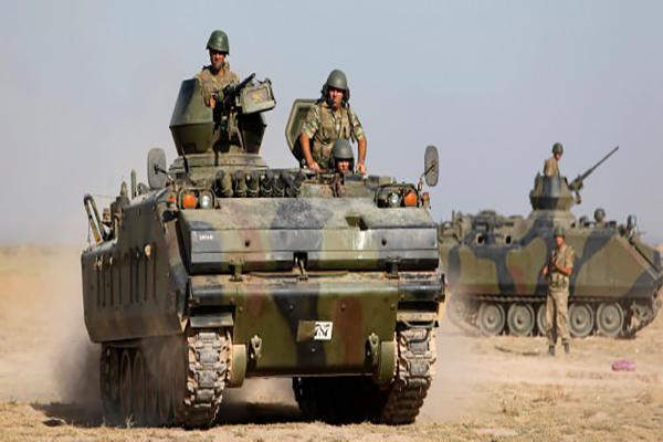 ABD'nin sözlerine karşı YPG durmuyor