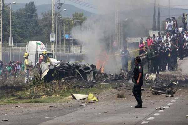 Meksika'da uçak faciası