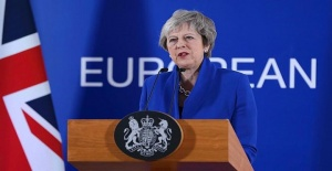 İngiltere Başbakanı May ve hükümeti Parlamento'dan güvenoyu aldı