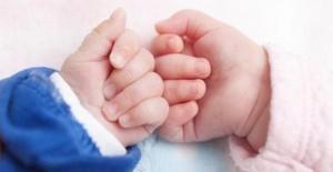 Hindistan'da yeni doğan ikizlere Corona ve Covid isimleri verildi