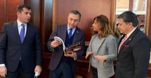 Azerbaycan Cumhurbaşkanı İlham Aliyev, Hocalı Katliamı'nın yıldönümünde dünya rekoru kırdı