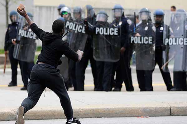 ABD'de sokağa çıkma yasağı ilan edildi