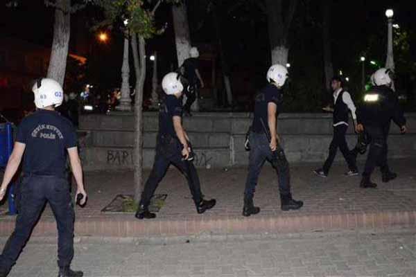 Mustafa Ceceli konserine polis müdahalesi