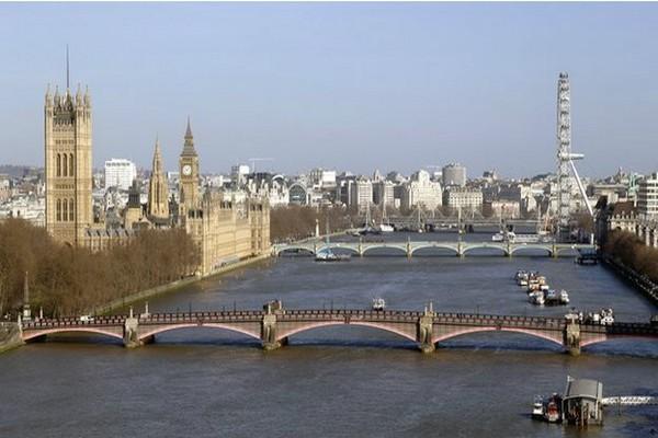 Londra'da Arap Muhalifler Çoğalıyor