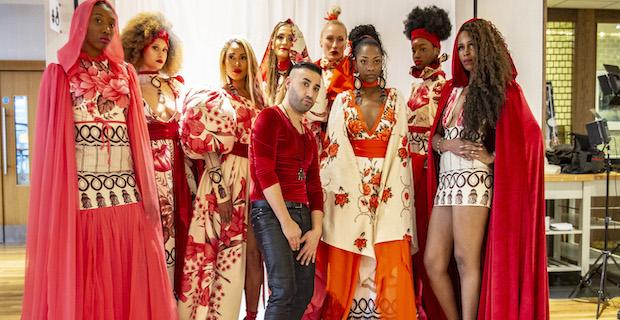 Afrikalı modellerin sergilediği Tonun'un tasarımları beğenildi