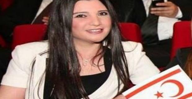Hülya Özkoyuncu, Türk-İngiliz Gazeteciler Birliği'nin KKTC Temsilcisi olarak atandı