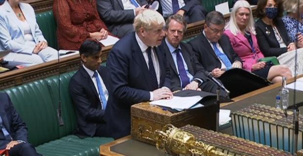 İngiltere'de reel vergi düzeyi İkinci Dünya Savaşı sonrası en yüksek düzeyinde ! İngiltere Başbakanı Boris Johnson seçim vaadini çiğnedi