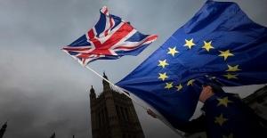 İngiltere'de 3 Bakan Brexit kararından sonra istifa etti