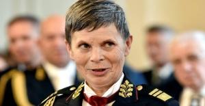 NATO'nun ilk kadın Genelkurmay Başkanı Alenka Ermenc oldu