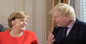 İngiliz hizmet sektörüne Brexit'in darbe vurması bekleniyor