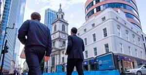 Bir çalışanın ortalama yıllık maaşını 3 günde kazanıyorlar, İngiltere'de CEO'lar ve gelir eşitsizliği