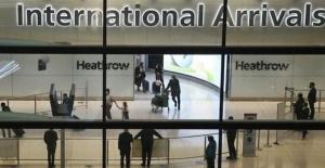 İngiltere dışına çıkana 5 bin sterlin para cezası verilecek, İngiltere'de koronavirüs üçüncü dalga korkusu