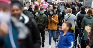Avrupa ülkeleri Kovid-19 kısıtlamalarını 'kademeli ve temkinli' gevşetiyor