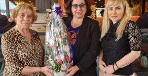 KKTC Londra Temsilcisi Büyükelçi Oya Tuncalı'ya Limasollular Derneği'nden teşekkür ve veda